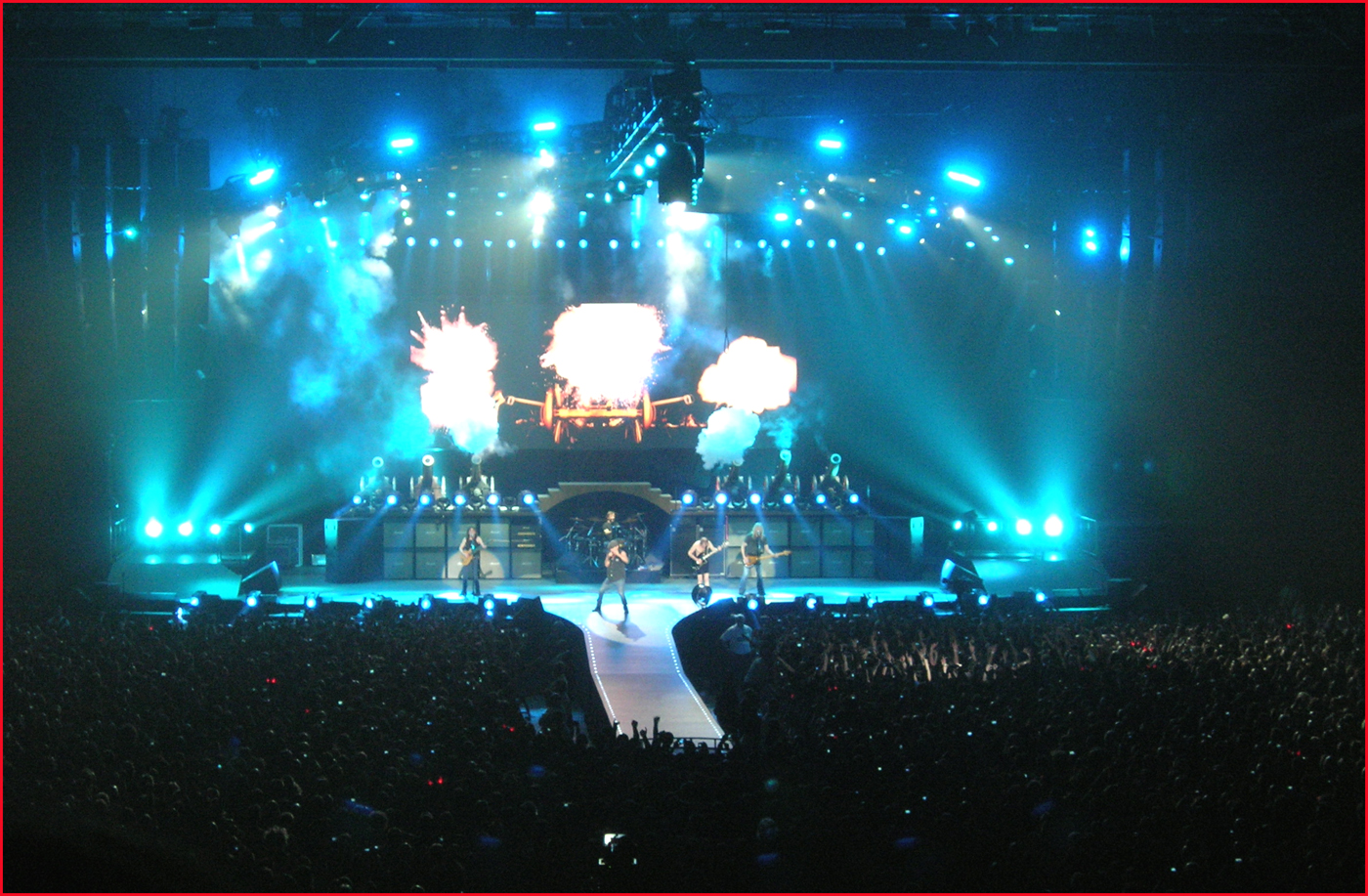 Get Ready to ROCK! Review of gig featuring rock band AC/DC ...