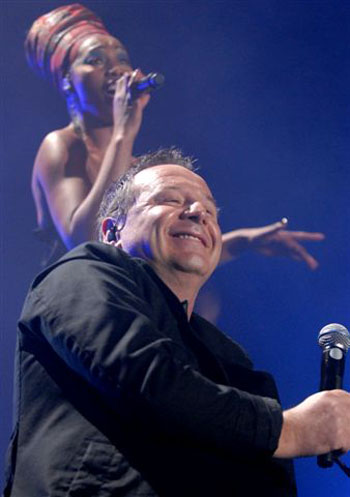 Simple Minds Featuring White Spaces - Don't You (Forget About Me)